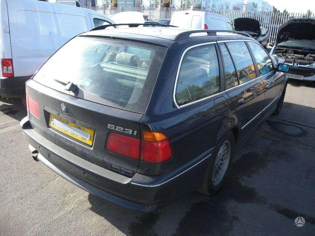 BMW 523. Bmw 523 univesalas, automatine pavarų dėžė,