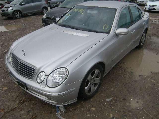 Mercedes-Benz E320 dalimis. Avangarde parkavimo sistema