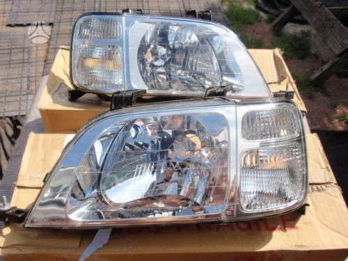 Honda CR-V. Desines puses europinis originalus zibintas