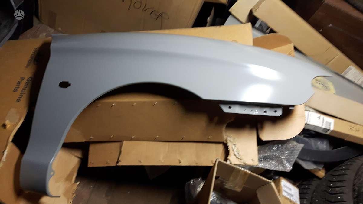 Hyundai Coupe. Sparnas  priekinis desinys naujas