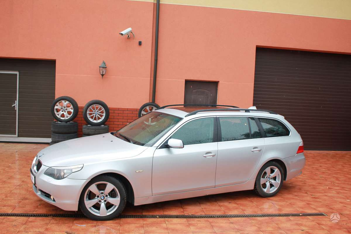 BMW 530 dalimis. Bmw 530d touring 2004-2008m. bmw 530xd 2006m.