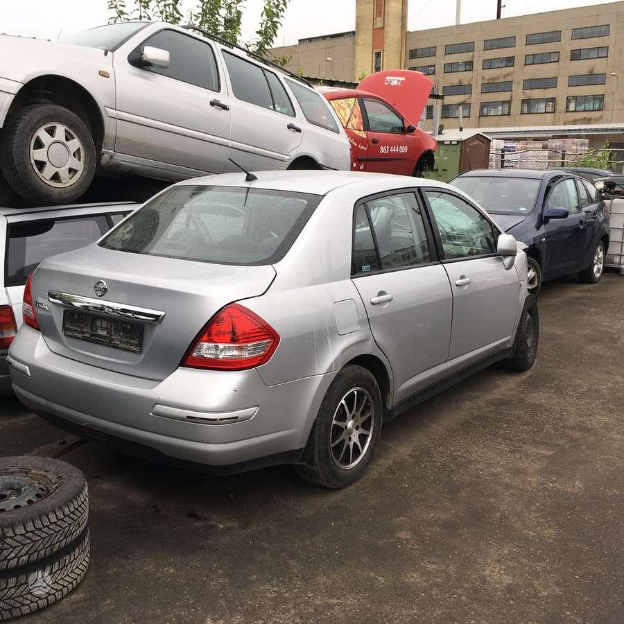 Nissan Tiida. Uab
