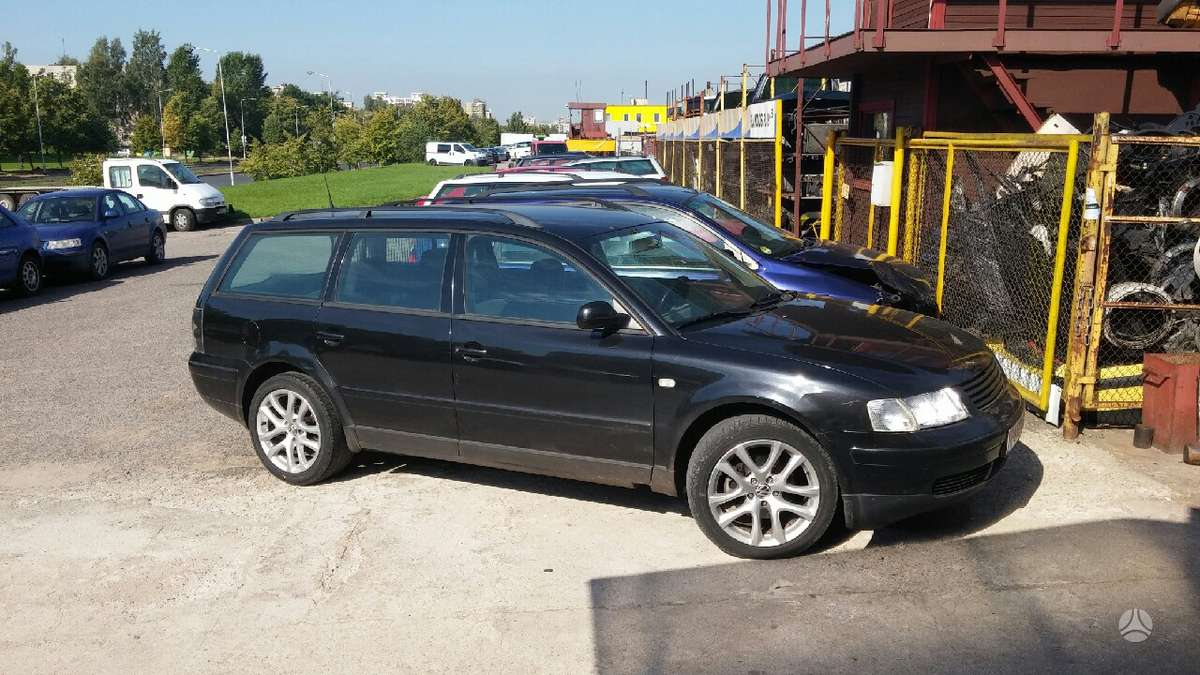 Volkswagen Passat dalimis. Is voketijos. mus rasite islandijos