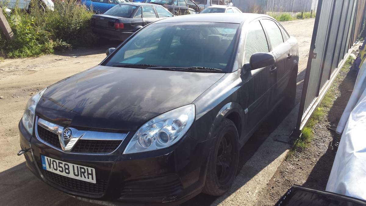 Opel Vectra. Automobilis parduodamas dalimis. galime pasiūlyti į