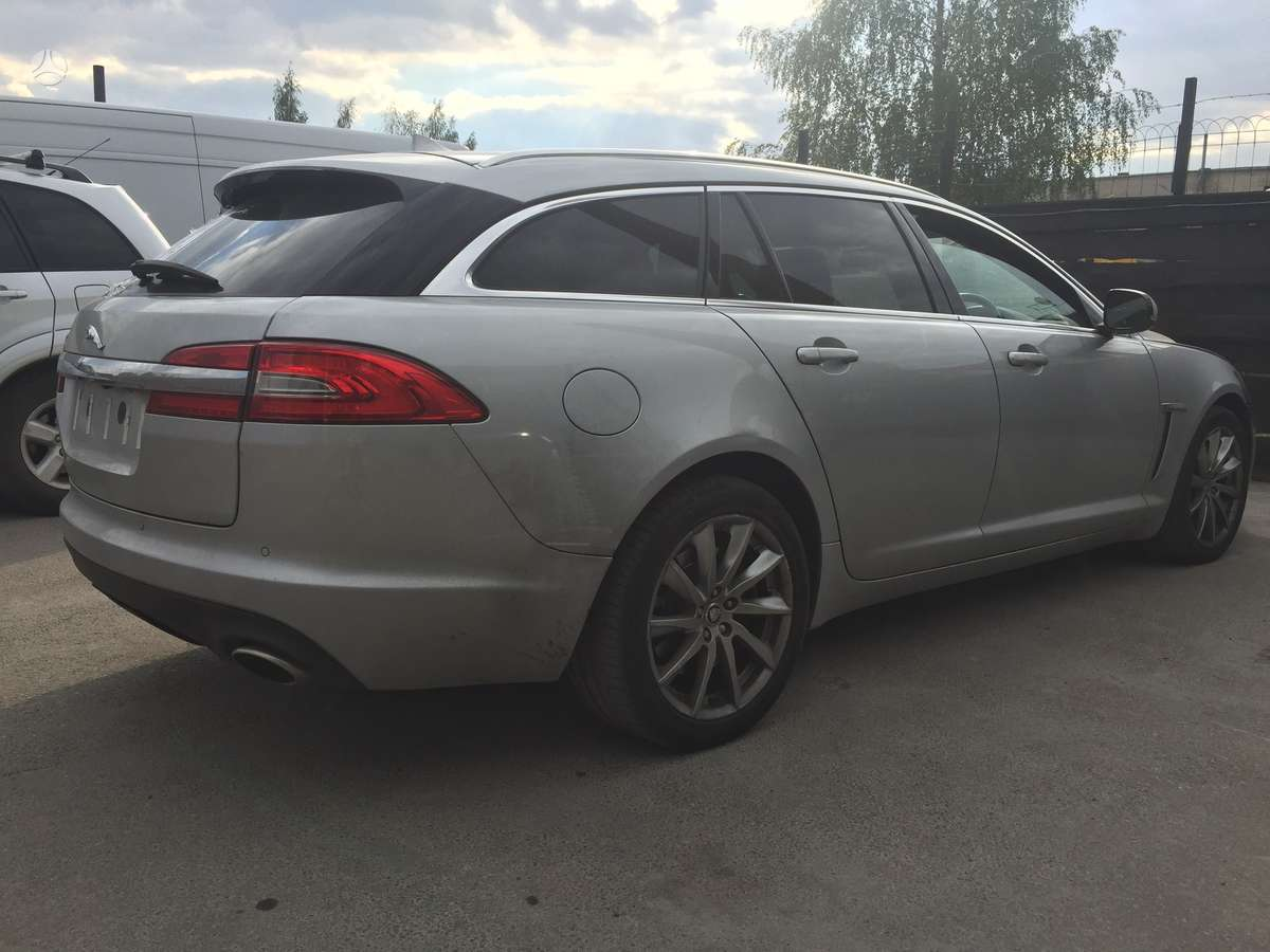 Jaguar XF. Naudotos visu automobiliu markiu dalys.detaliu