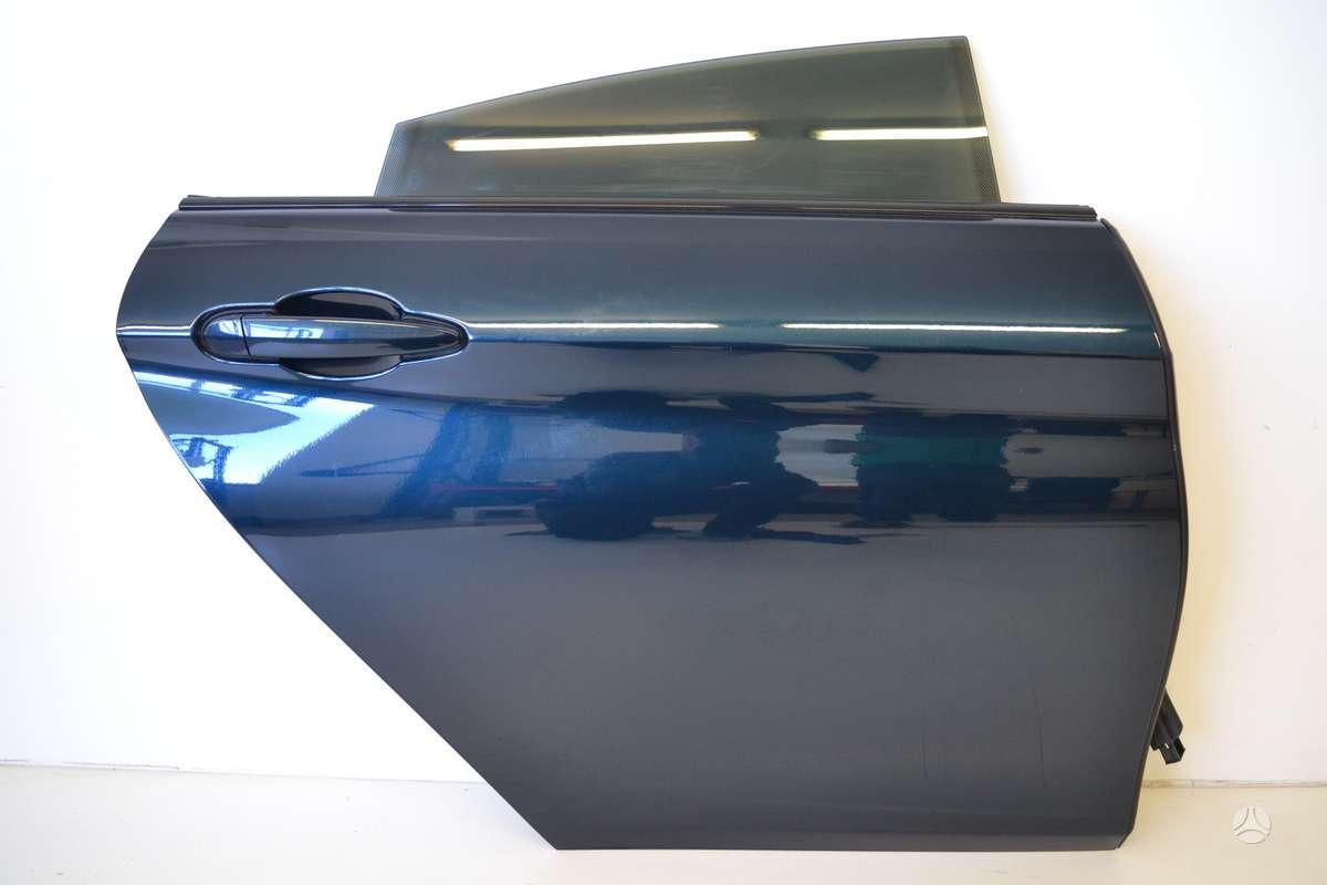 BMW 4 serija. komplektinės durys    dėl daliu skambinikite +