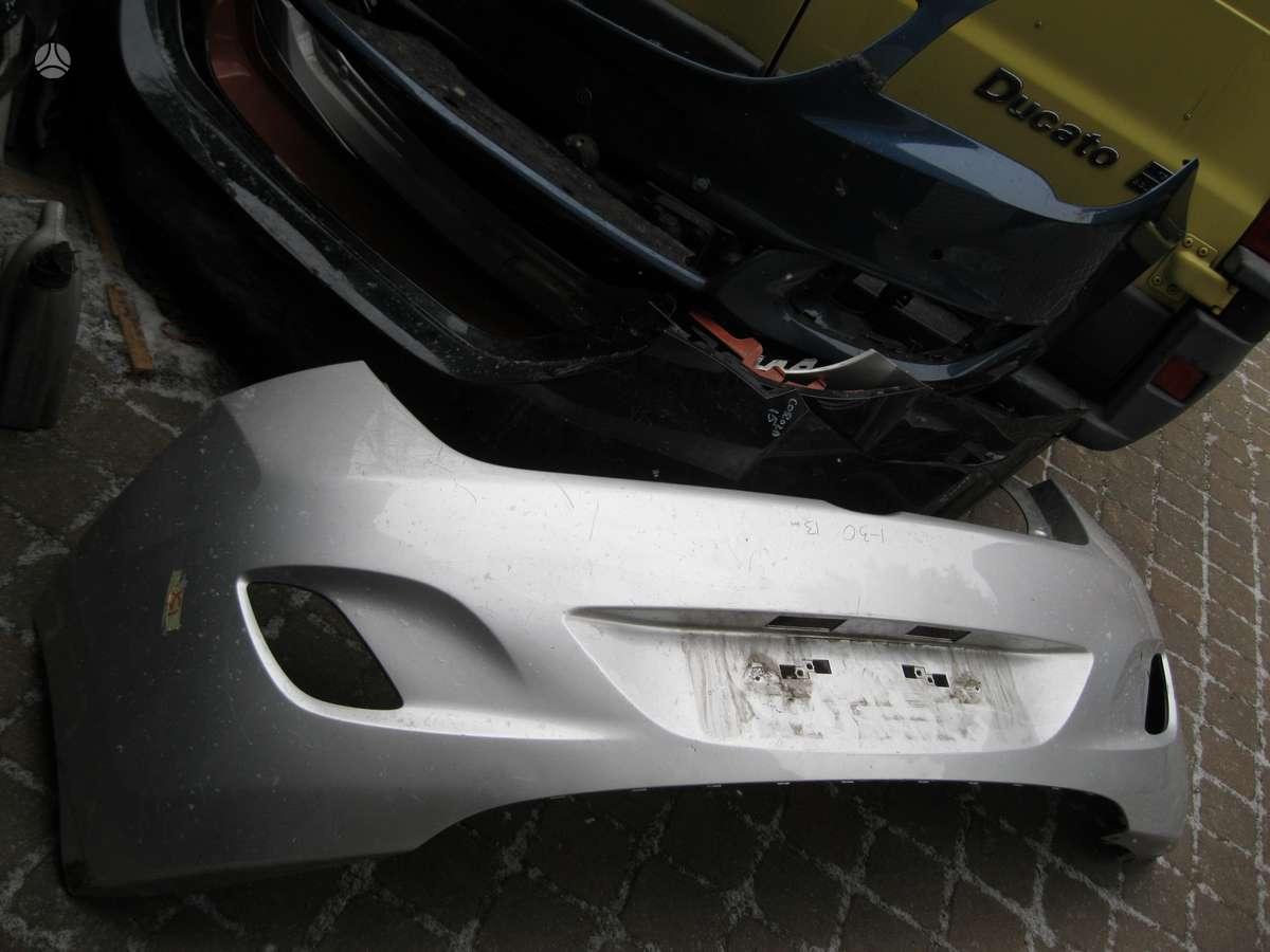 Hyundai i30. --- groteles----- buferis