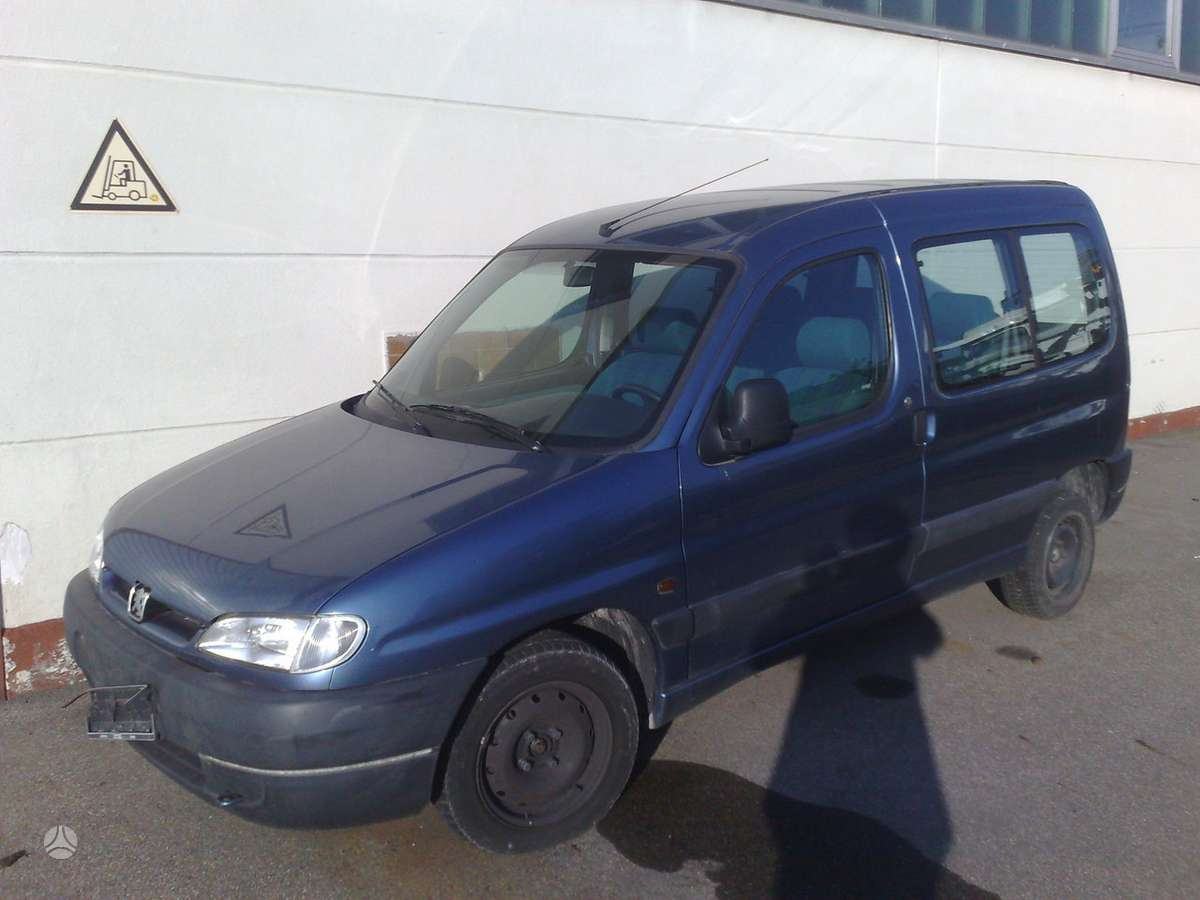 Peugeot Partner dalimis. Ivairus peugeot automobiliai nuo 94 iki