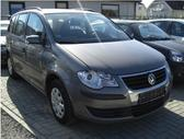Volkswagen Touran. Europinis, variklis 2,0l tdi yra vairo
