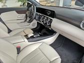 Mercedes-Benz A200, 1.3 l., sedanas