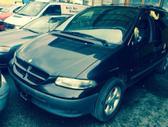 Chrysler Grand Voyager. Ira 2,5 dyzelinas ir 2,4 benzinas