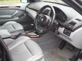 BMW X5 dalimis