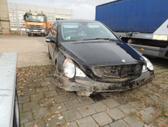 Mercedes-Benz R500 dalimis. Automobilis is vokietijos. yra