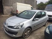 Renault Clio dalimis