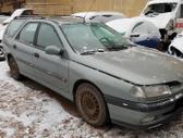 Renault Laguna dalimis. Turime ir daugiau įvairių markių