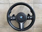 BMW X5 dalimis. Tik vairas šildomas vibruojantis.