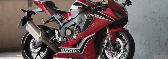 """""""Honda Fireblade"""" supermotociklas atvyksta į Lietuvą"""
