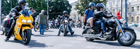Visoje Lietuvoje vyko motociklininkų, silpnaregių ir neregių akcija MANE VEŽA