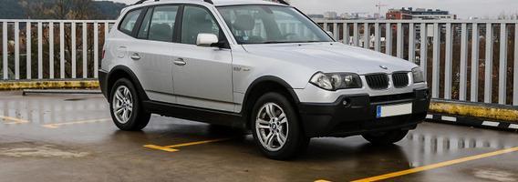 """""""BMW X3"""" – prabangių kompaktiškų miesto visureigių pradininkas Europoje"""