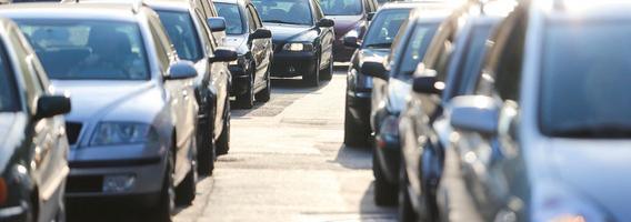 Šalies automobilių rinką traukia Lietuvoje vykstantys sandoriai ir elektroninės paslaugos