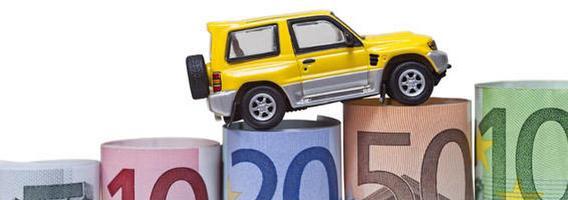 Metai po euro įvedimo: automobiliai  pabrango beveik vienu vidutiniu atlyginimu