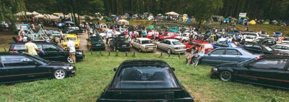 """""""Chill'n'Grill"""" automobilių kultūros gerbėjus nuo asfalto perkels į pievas"""