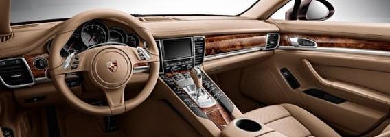8 kvapai, kuriuos automobilių gerbėjai dievina