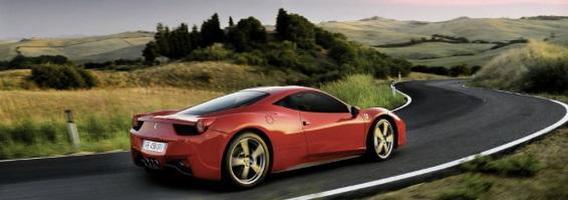 """Lietuviai už 49 eurus galės pasivėžinti """"Ferrari F458 Italia"""" ir """"Lamborghini Gallardo"""""""