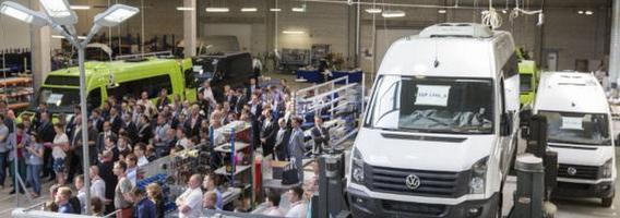 Vilniaus pašonėje atidaryta didžiausia naujų automobilių gamykla Baltijos šalyse