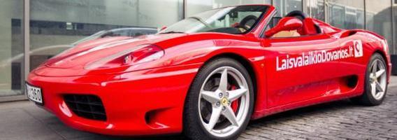 """Motyvacija išlaikyti vairavimo egzaminą iš pirmo karto – galimybė pavairuoti """"Ferrari"""""""
