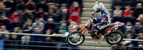 """""""Arenacross"""" – varžybos, perkėlusios motokrosą į miesto erdves"""