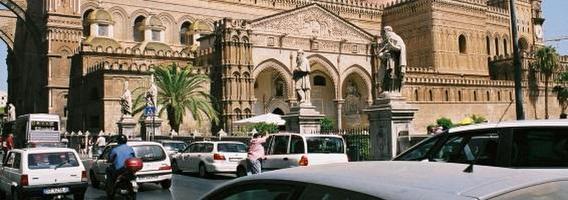 Vairavimo ypatumai Sicilijoje: kaip nesudaužyti automobilio?