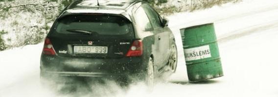 Vairavimas žiemą: ką reikėtų pamiršti?
