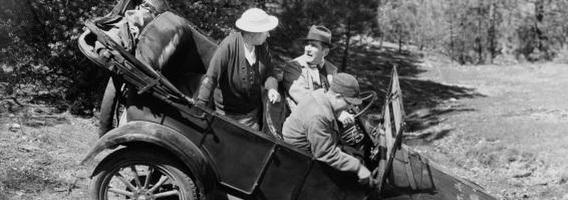 9 keisti išradimai senuose automobiliuose
