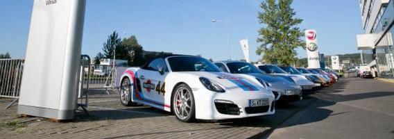 """Porsche"" automobiliai Vilniaus gatvėse"