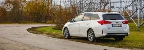 """Trys priežastys, kodėl """"Toyota Auris"""" yra geriausias iki šiol pagamintas hibridas"""