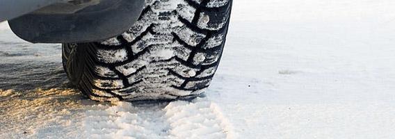 Vairuotojai žieminių padangų pradeda ieškoti paskutinę minutę