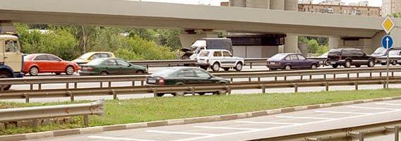 Už dažniausiai Lietuvos keliais riedantį automobilį  – penki vidutiniai atlyginimai