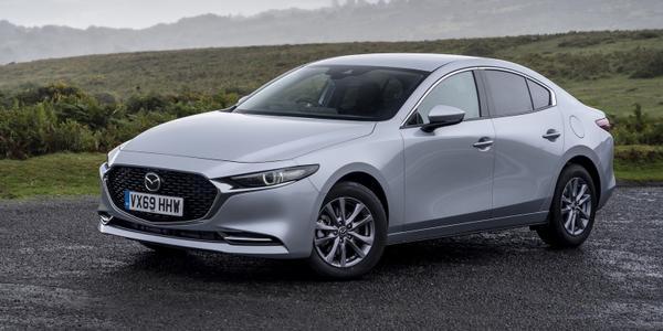 Mazda 3 sedanas