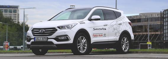 """Pietų Korėjos pėstininkas vidutinių visureigių mūšyje – """"Hyundai Santa Fe"""""""