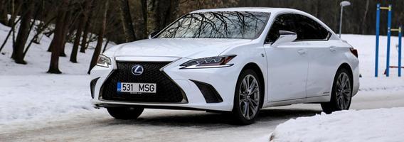 """""""Lexus ES"""" – JAV rinkoje brandinta naujiena atkeliavo į Europą"""