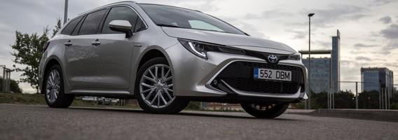 """""""Toyota Corolla Touring Sports"""" – solidus japonų indėlis į C segmentą"""