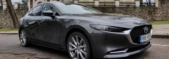 """Naujoji """"Mazda 3"""" – pusiaukelė tarp konservatyvumo ir revoliucijos"""