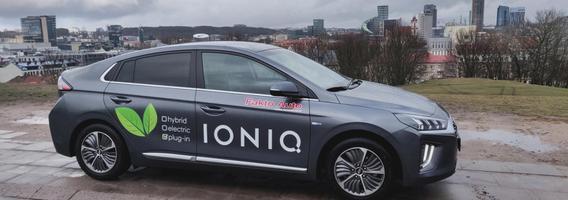 """""""Hyundai Ioniq Plug-in"""": kaip gabus korėjietis nušluostė japonams nosį"""