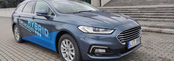 """""""Ford Mondeo Hybrid"""" – patogus vidutinio dydžio hibridas, bet ar geresnis už dyzelinį?"""