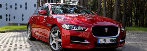 """""""Jaguar XE"""" – kai charakteris ir valdymas svarbiau už praktiškumą"""